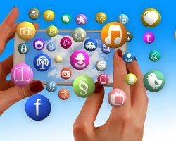 Růst internetové reklamy loni zpomalil